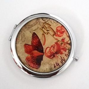 Magnified Graphic Compact Mirror ~ Butterfly Lily